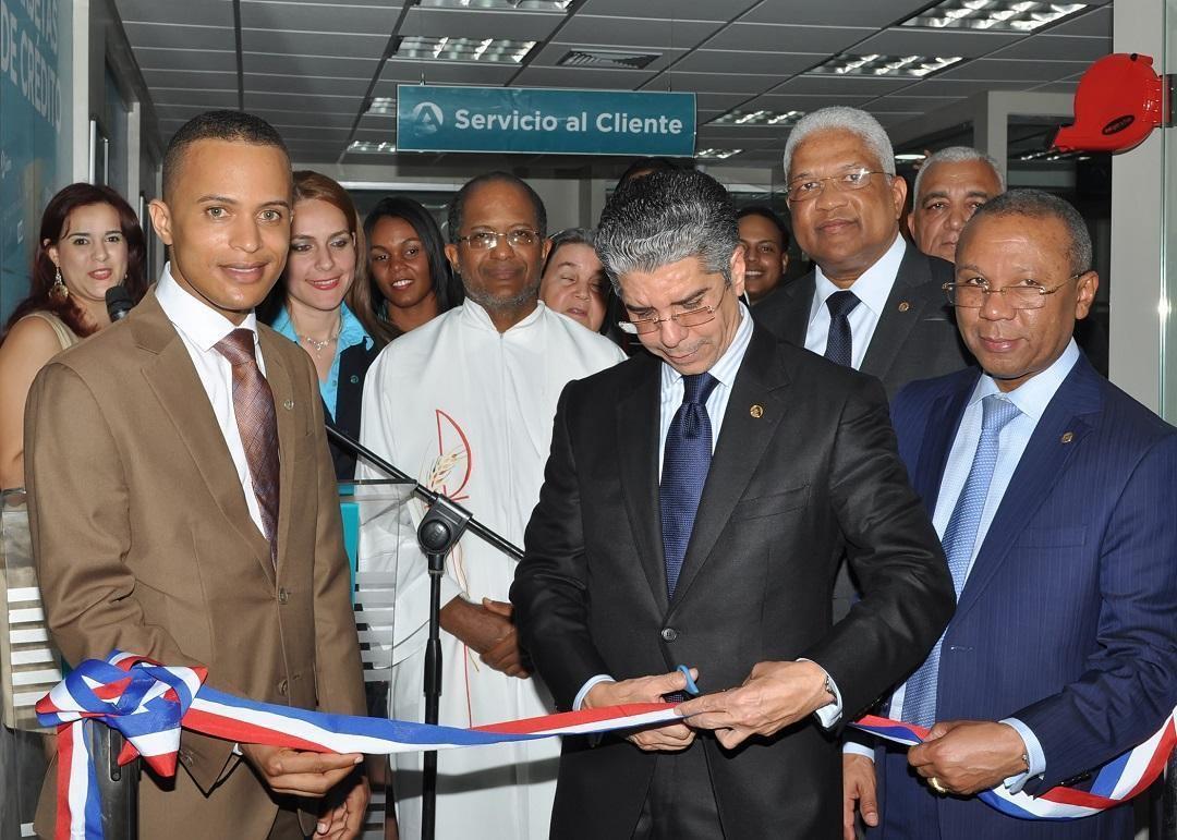 Banco Ademi inaugura segunda oficina en Baní