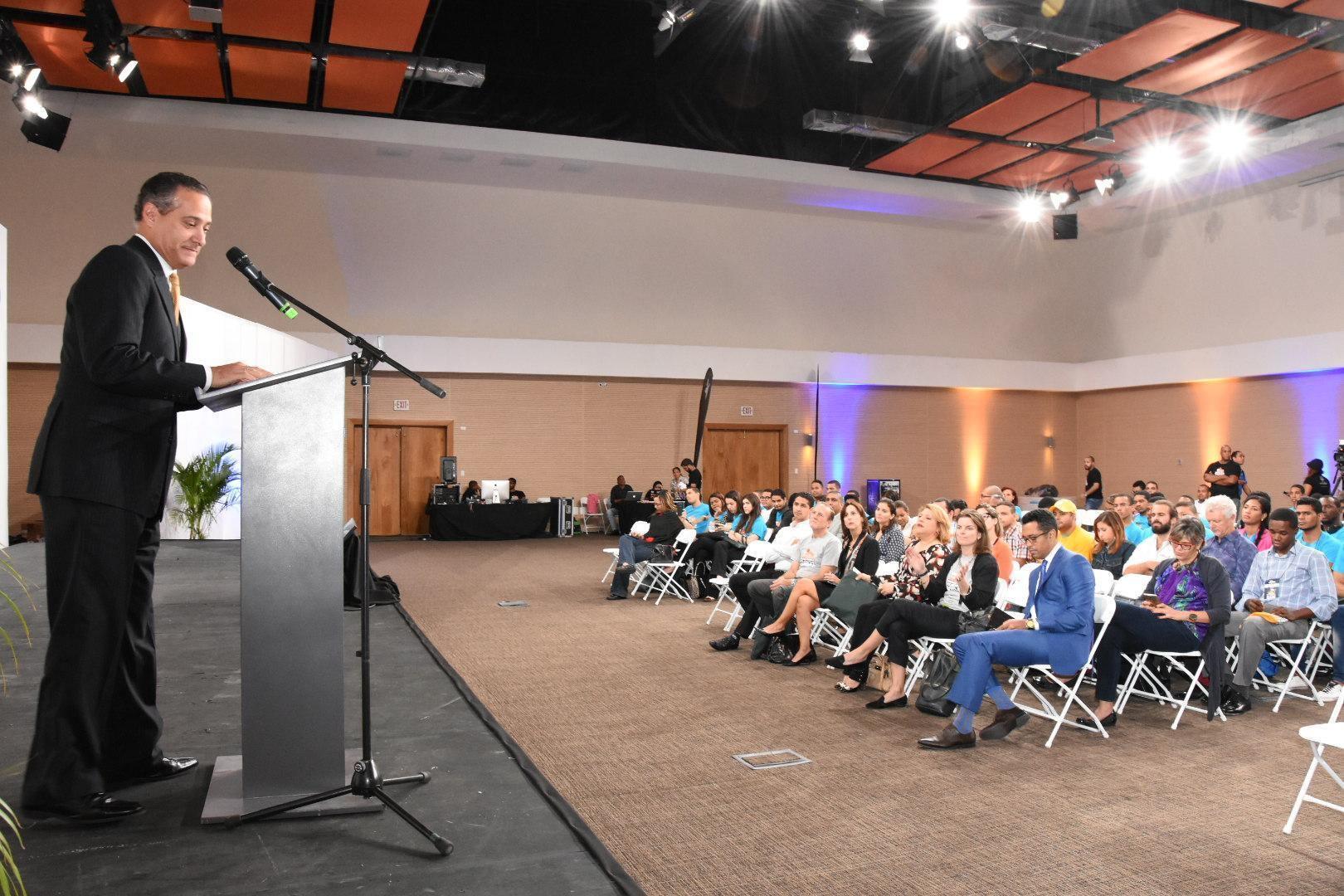Banreservas Continuará Respaldo a Emprendedores Dominicanos en 2017