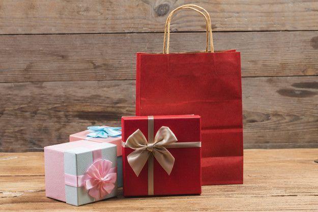 Ofertas, ropa, cenas, regalos ¿Cómo lidiar con estos gastos en Navidad?