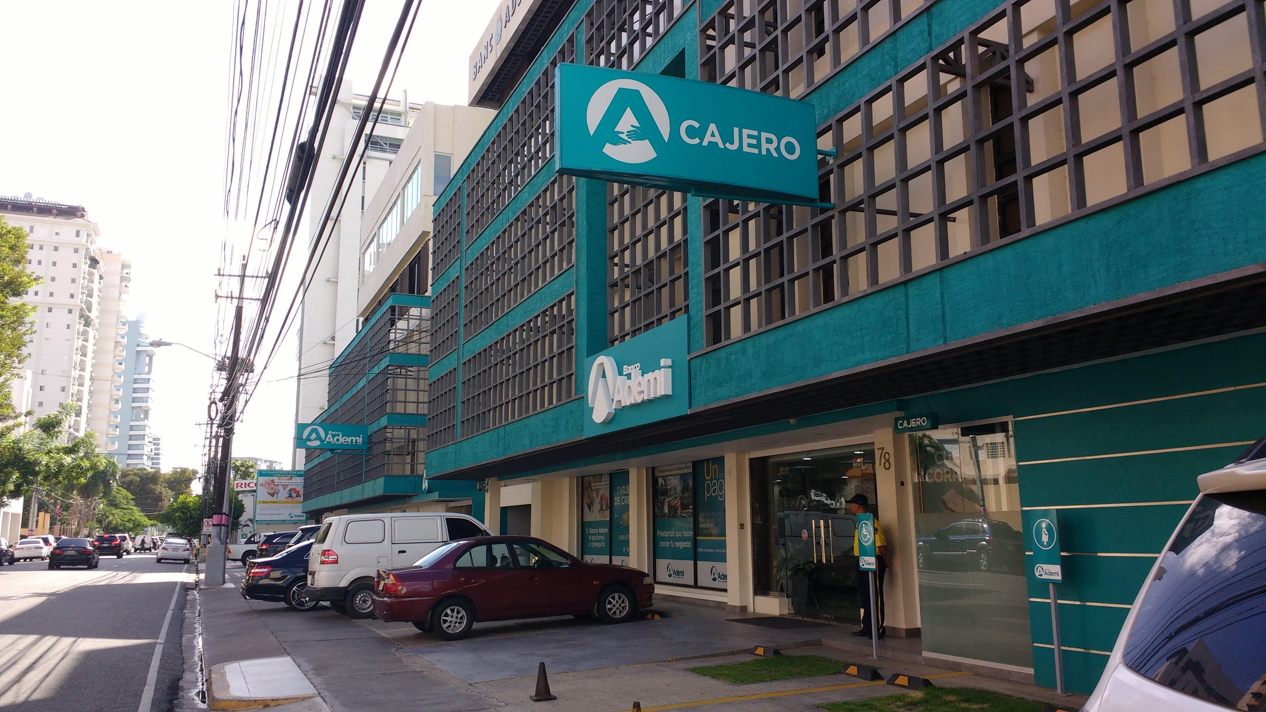 Banco Ademi ha otorgado 110 millones de pesos en créditos para útiles escolares